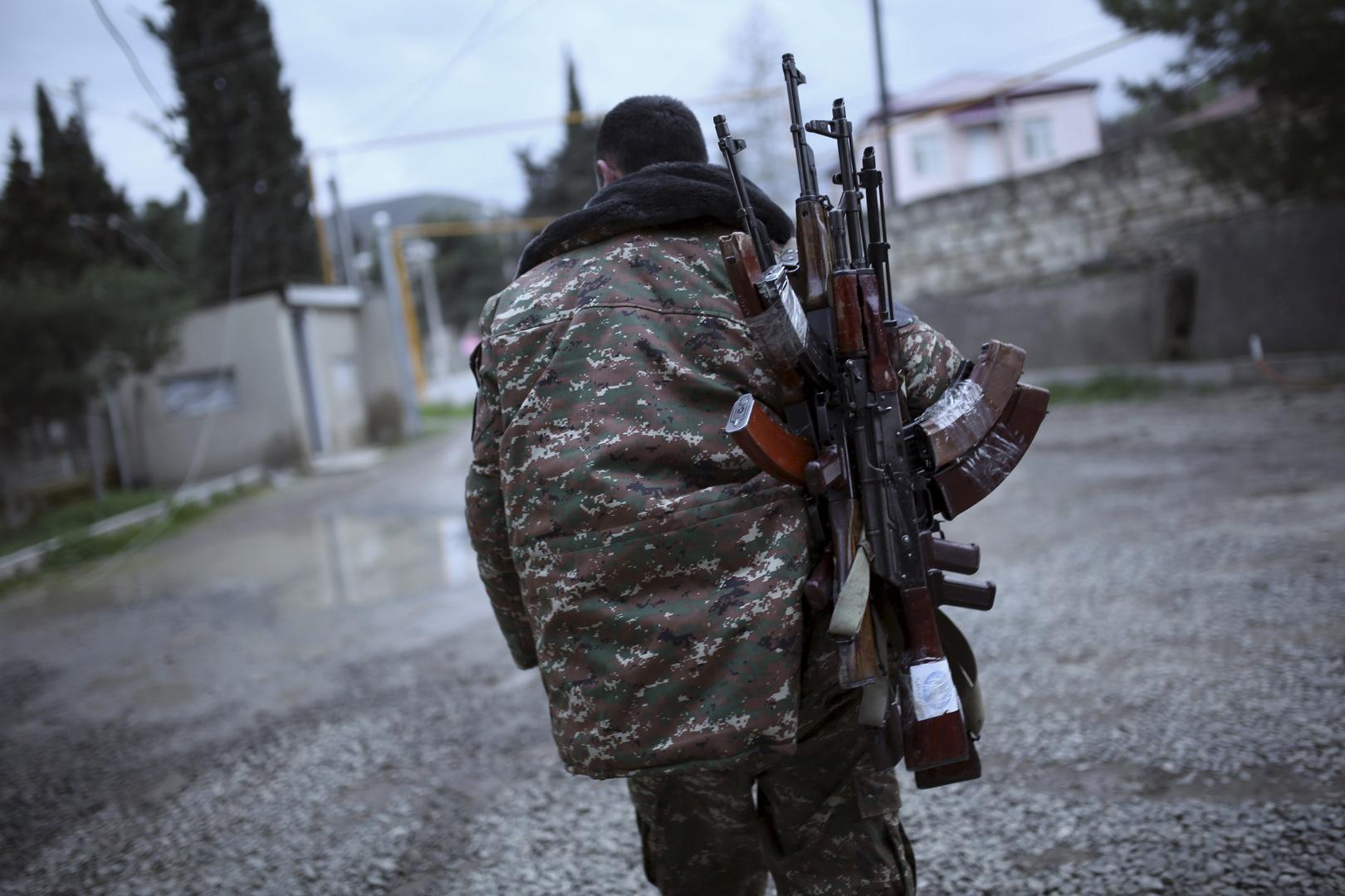 باكو تتهم يريفان باستقدام مرتزقة من سوريا والشرق الأوسط