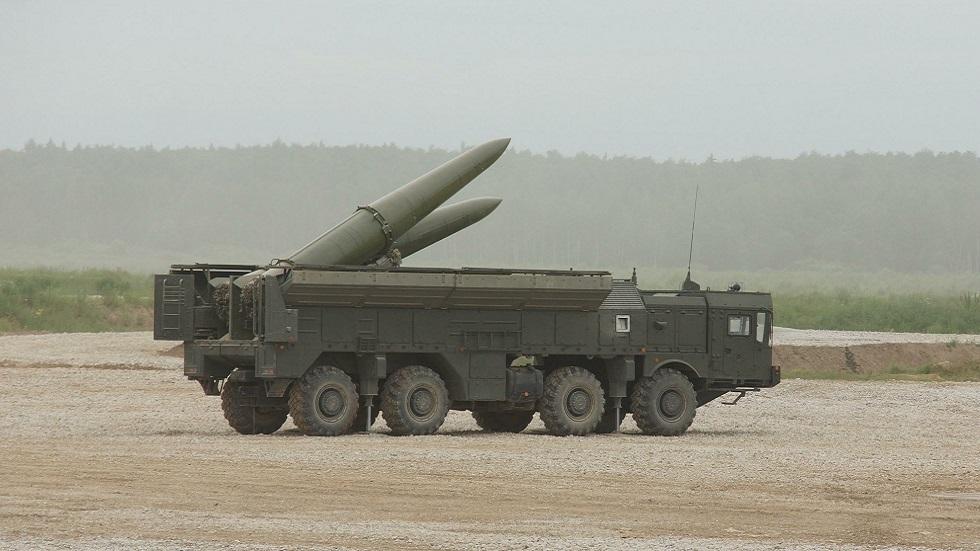 باكو: لدينا ما نستخدمه حال لجوء أرمينيا لصواريخ