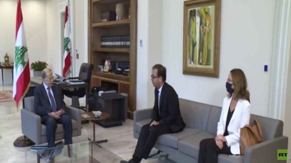 عون: متمسك بالمبادرة الفرنسية لحل أزمة لبنان