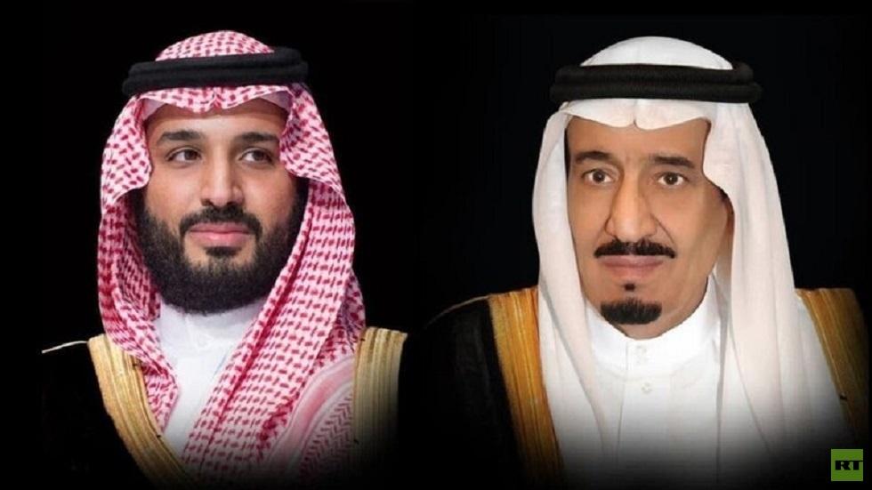 العاهل السعودي وولي عهده يعزيان في أمير الكويت