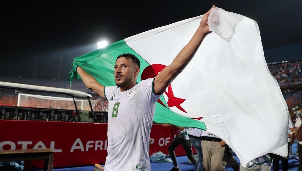الجزائري البلايلي يفسخ عقده مع الأهلي