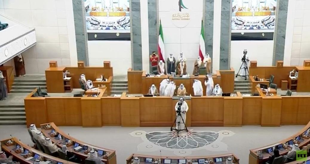 الشيخ نواف الأحمد الجابر الصباح يؤدي اليمين الدستورية أمام مجلس الأمة أميرا للكويت