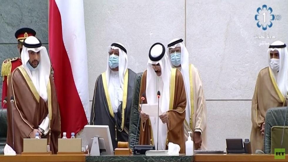 نواف الأحمد يؤدي اليمين أميرا جديدا للكويت