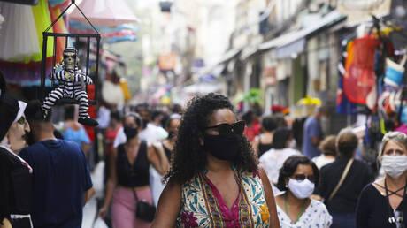 البرازيل تسجل 33057 إصابة و739 وفاة جديدة بكورونا
