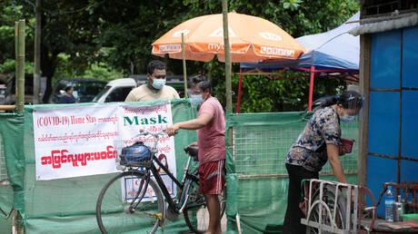 ميانمار تفرض الحجر العام في أكبر مدنها بعد زيادة قياسية في إصابات كورونا
