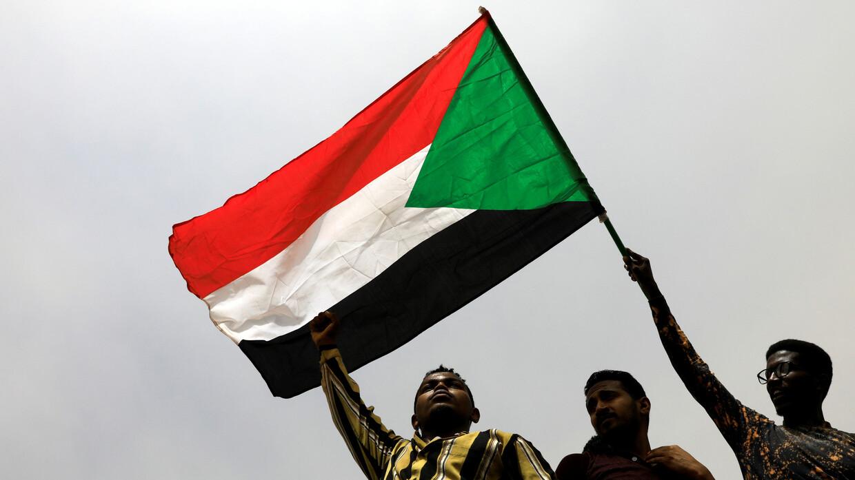 اعتماد أول سفير سوداني لدى واشنطن منذ نحو ربع قرن