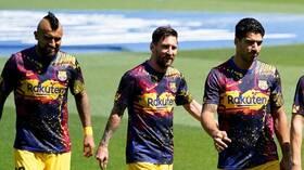 المدير الرياضي الجديد لبرشلونة يعلن رحيل فيدال