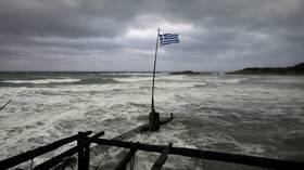 عاصفة نادرة في البحر المتوسط تضرب غرب اليونان