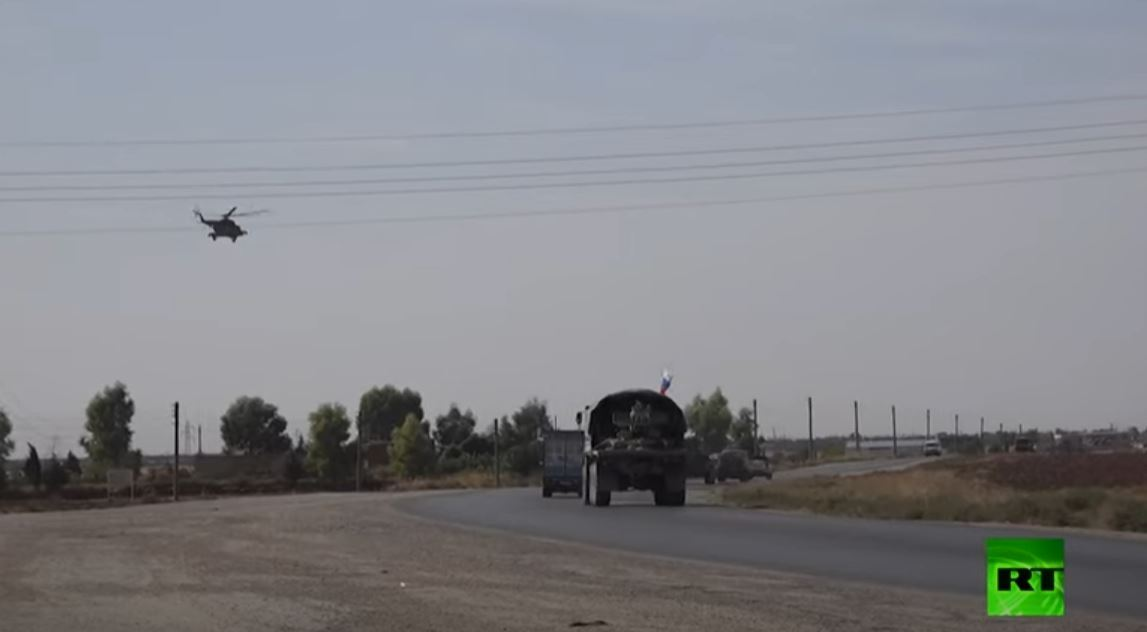 دورية روسية تتفقد أحوال القامشلي في سوريا مدعومة بغطاء جوي