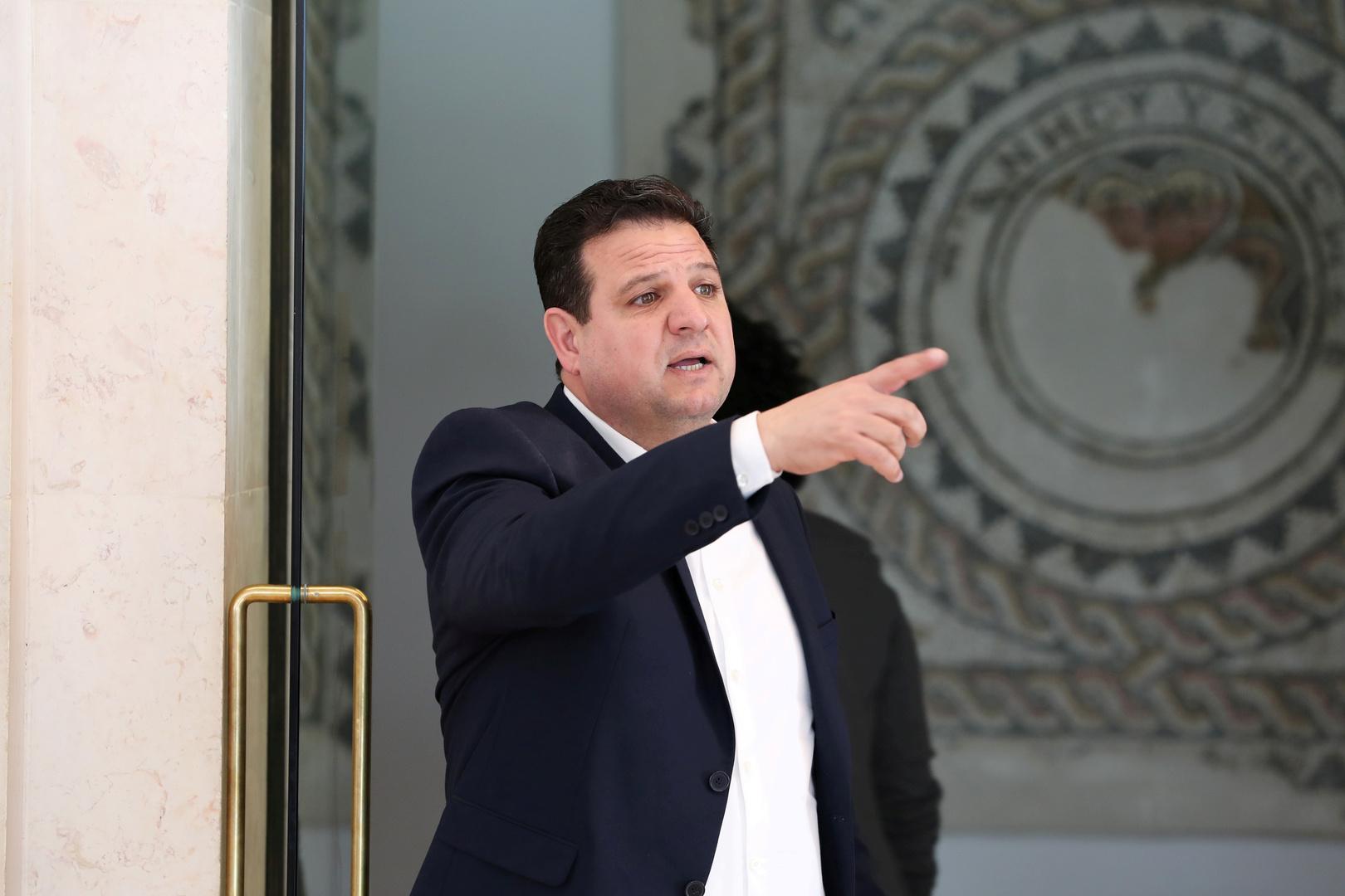 رئيس القائمة المشتركة النائب أيمن عودة يعلن إصابته بفيروس كورونا