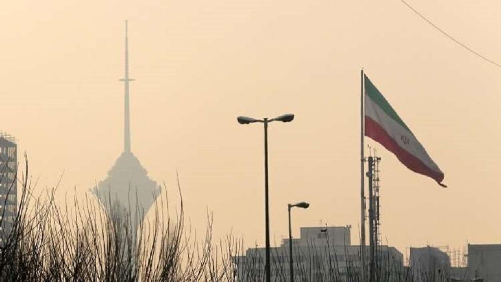 إيران.. انفجارات وحریق واسع فی مدينة تشهار دانكة الصناعية غرب طهران