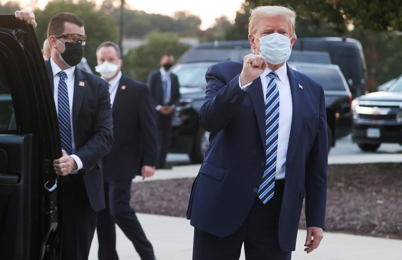 ترامب يغادر المستشفى العسكري ويعود للبيت الأبيض بعد علاجه من