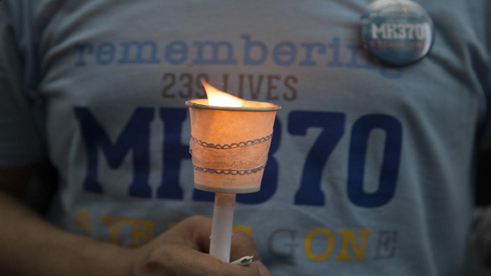 البحث عن MH370 المفقودة يأخذ منعطفا جديدا مع