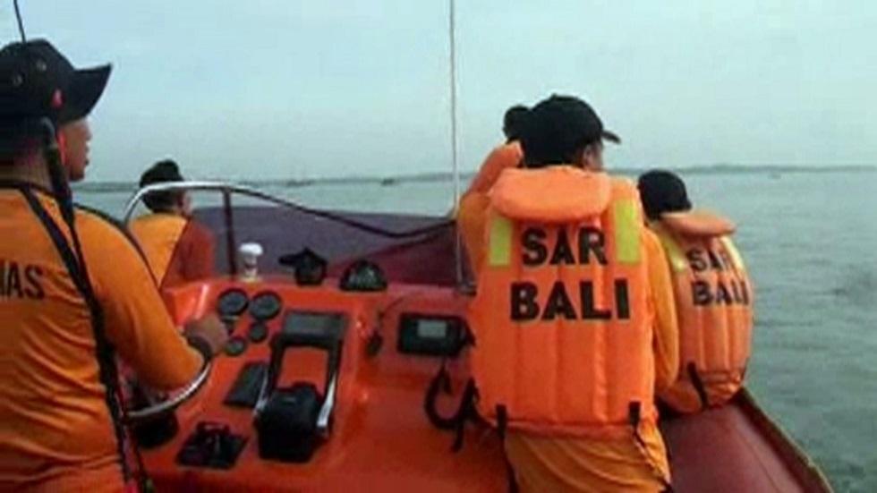 عناصر من مكتب البحث والإنقاذ في جزيرة بالي الإندونيسية (صورة أرشيفية)