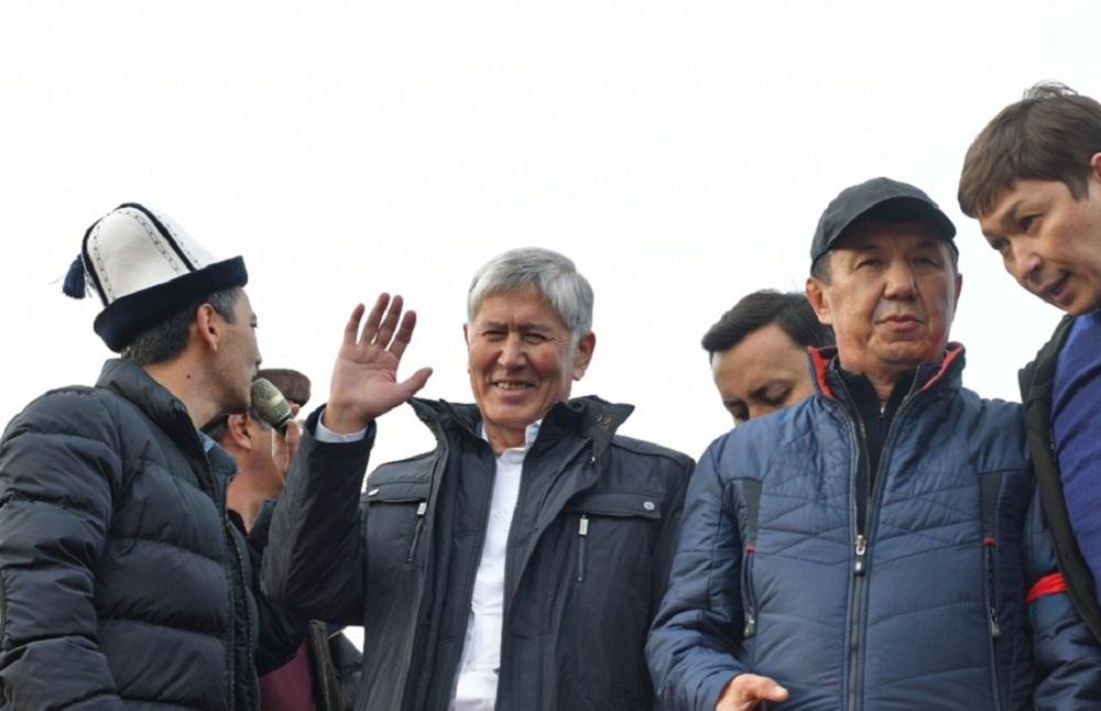 الرئيس القرغيزي السابق ألمازبيك أتامباييف يعلن عن نجاته من محاولة اغتيال