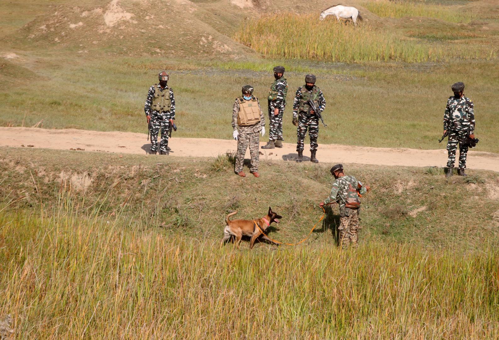 القوات الهندية في غقليم كشمير.