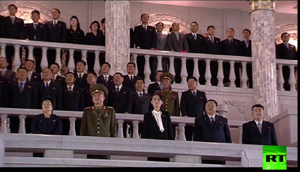 شقيقة كيم جونغ أون تخرج للجمهور أثناء عرض عسكري