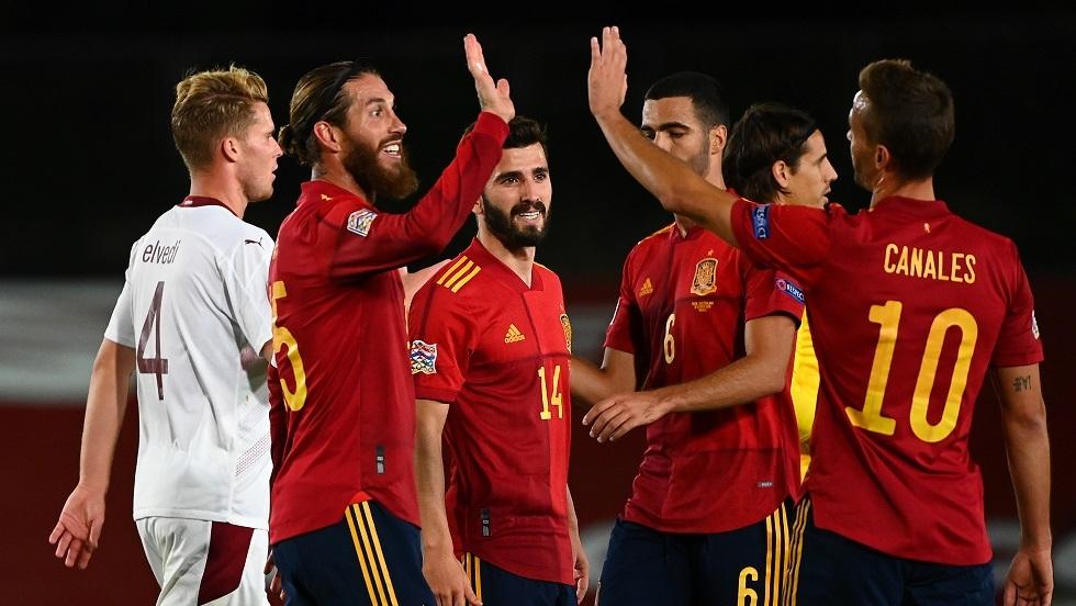 إسبانيا تنجو من كمين سويسرا (فيديو)