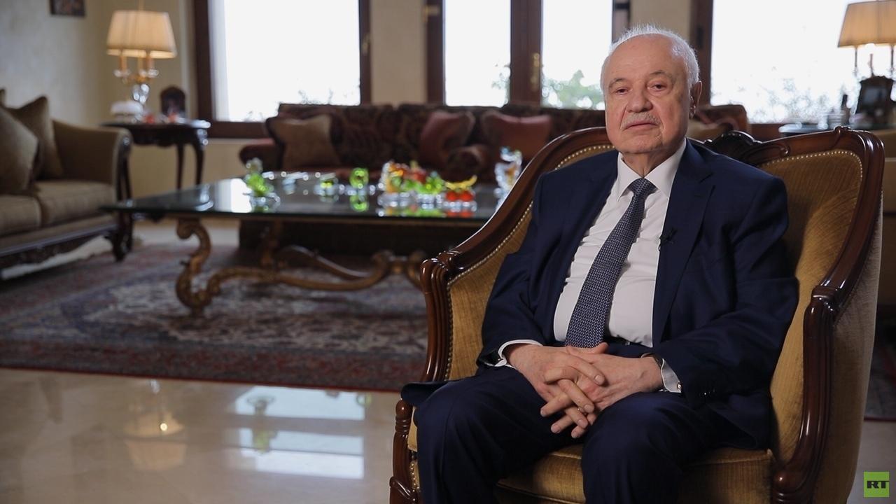 مفكر اقتصادي عربي يكشف عن السلطان الحاكم في العالم الأقوى من الرئيس الأمريكي