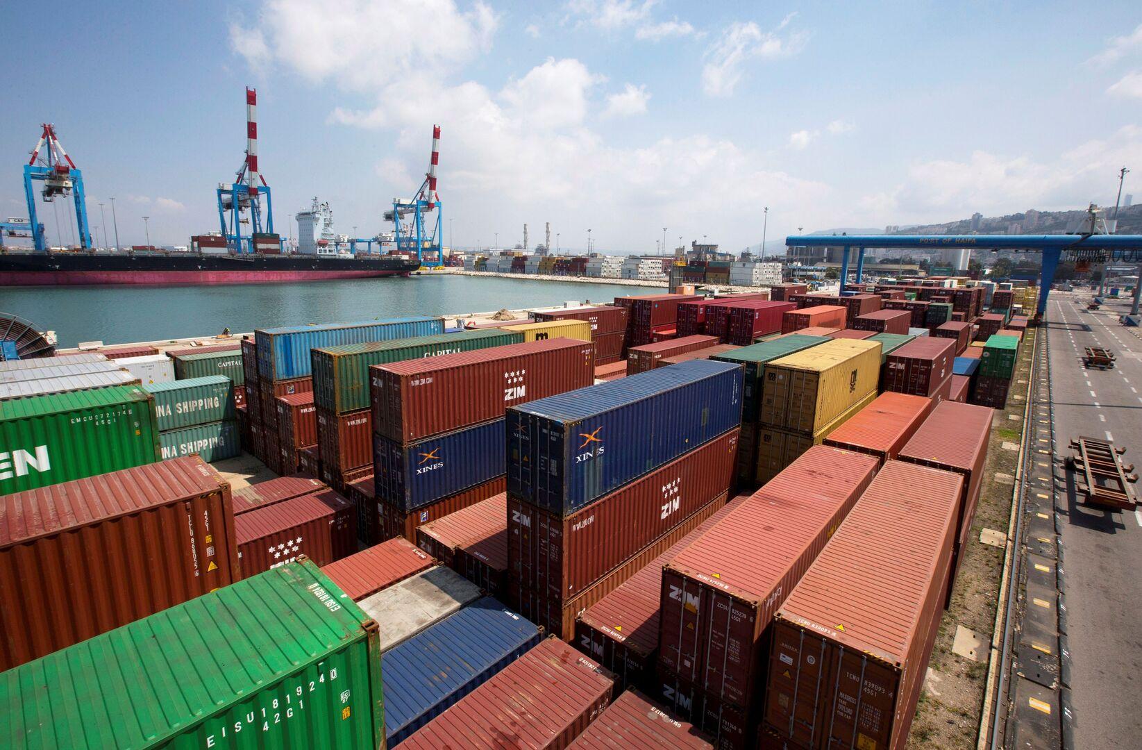 وصول أول سفينة شحن إماراتية ميناء حيفا في إسرائيل