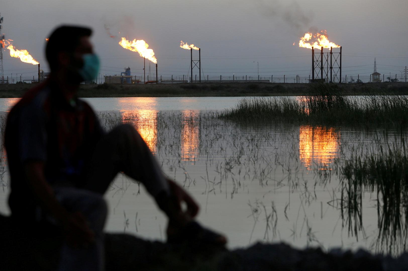 العراق يحدد سعر خام البصرة للشهر القادم