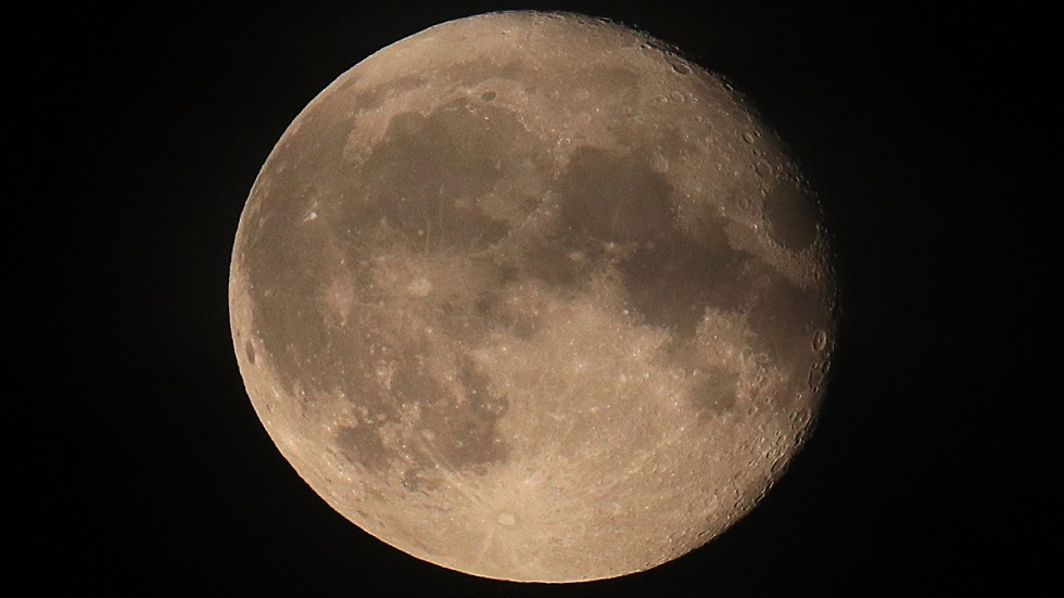 الولايات المتحدة وبريطانيا ستتعاونان في استكشاف القمر