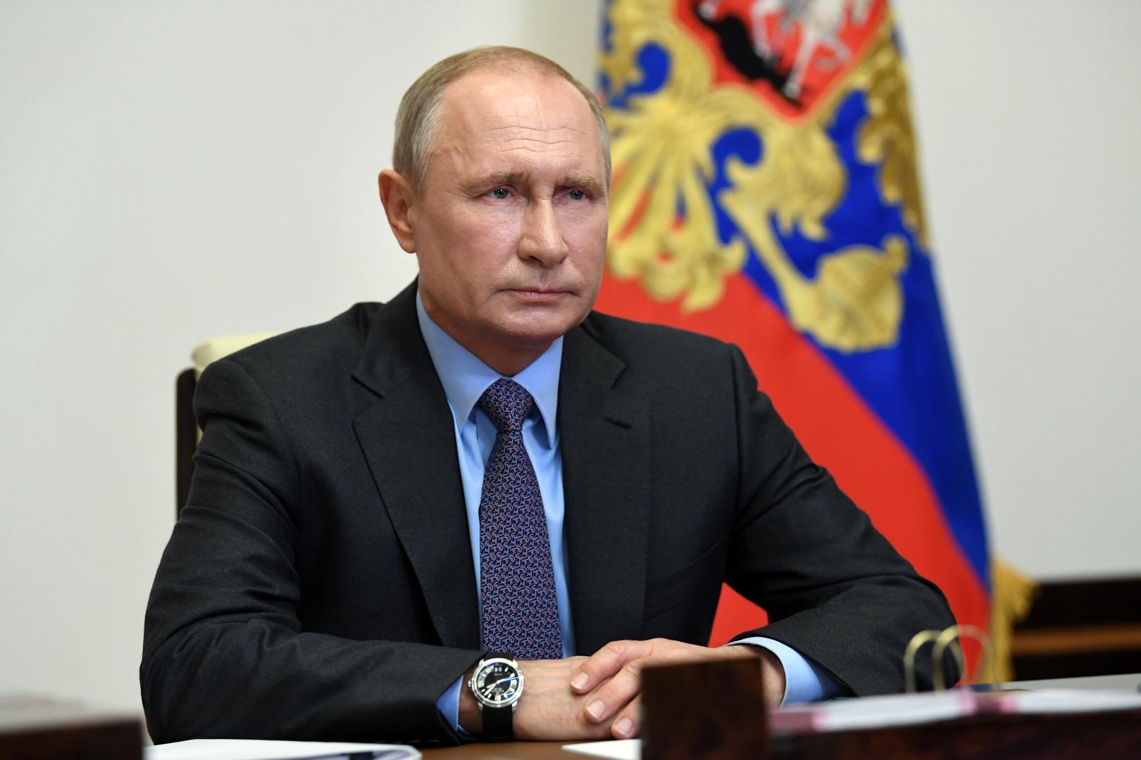 وزير الصحة الروسي: نستعد للبدء بعمليات التطعيم الشاملة ضد فيروس كورونا