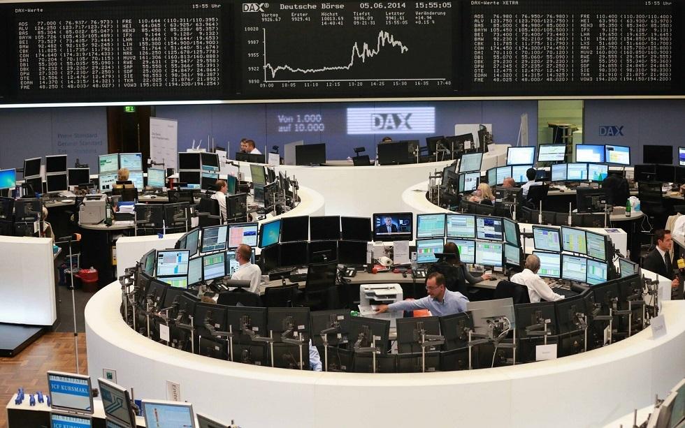 الأسهم الأوروبية تتراجع بفعل مخاوف الإغلاق مع تزايد إصابات كورونا