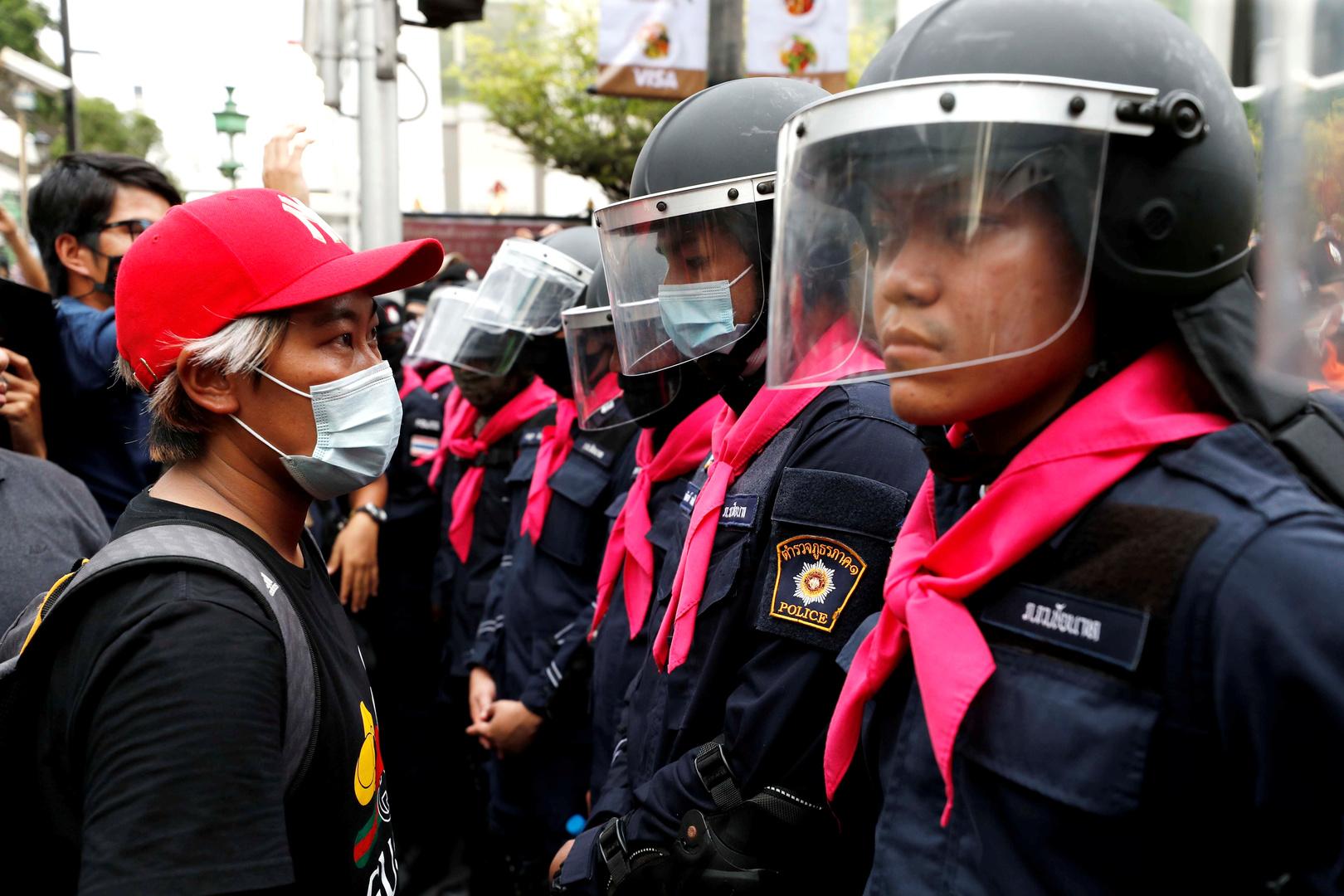رئيس وزراء تايلاند يرد على المحتجين: لن أستقيل