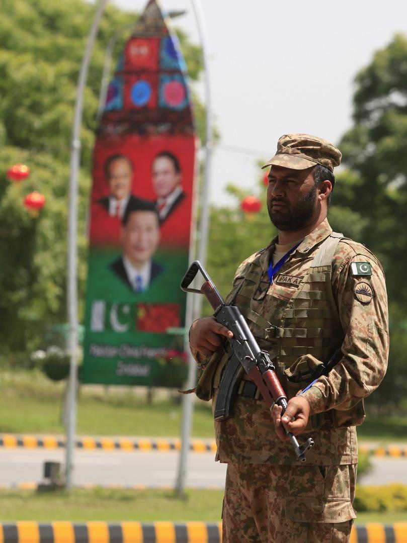 مقتل 15 شخصا في كمين بباكستان قرب منطقة عالية الأهمية للمصالح الصينية