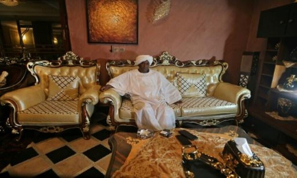 رجل أعمال سوداني ينظم رحلة