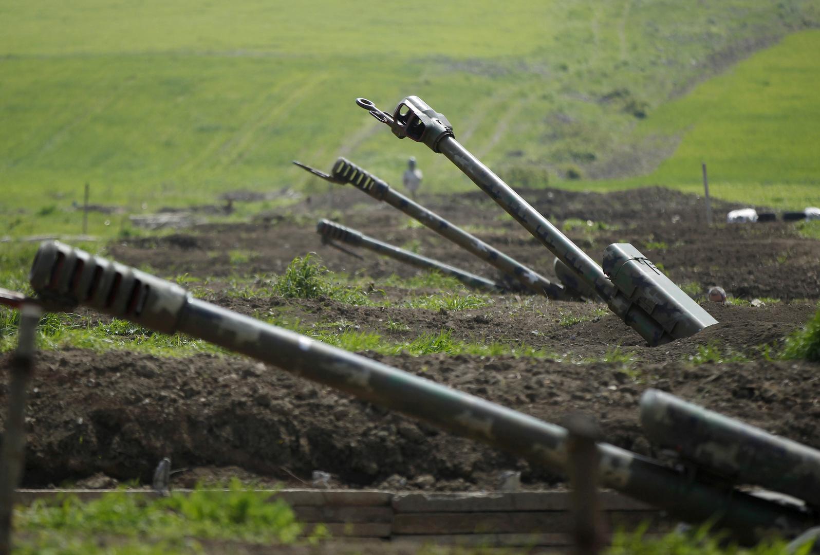 أرمينيا تتهم أذربيجان بحشد قواتها عند حدود إيران وتتوعدها بـ