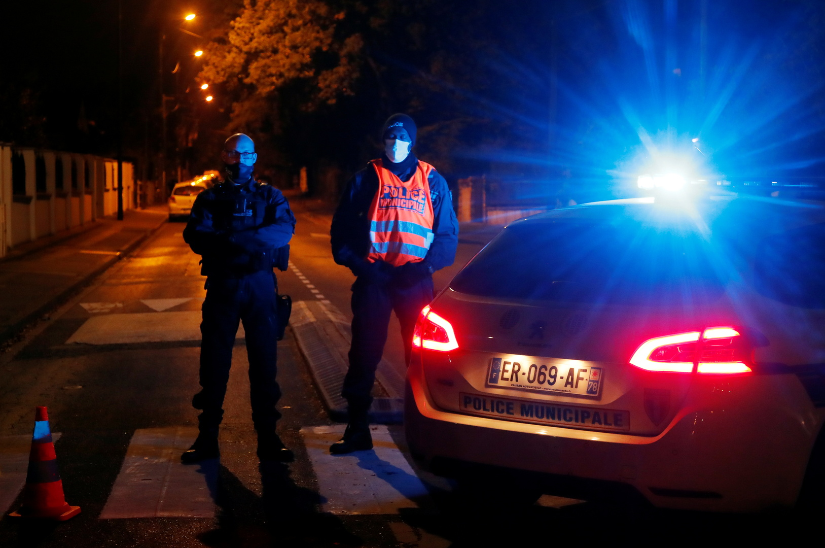 فرنسا.. اعتقالات جديدة في قضية قطع رأس المعلم المدرسي