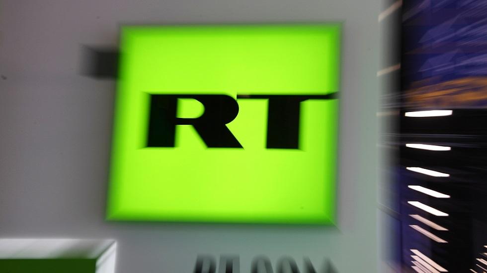 السفارة الروسية تطالب بتفسيرات بعد استجواب صحفي لـRT في مطار نيويورك