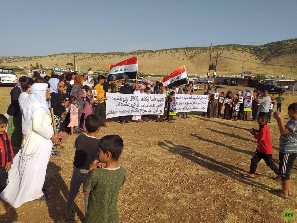 إيزيديون في سنجار يتظاهرون ضد حزب العمال الكردستاني