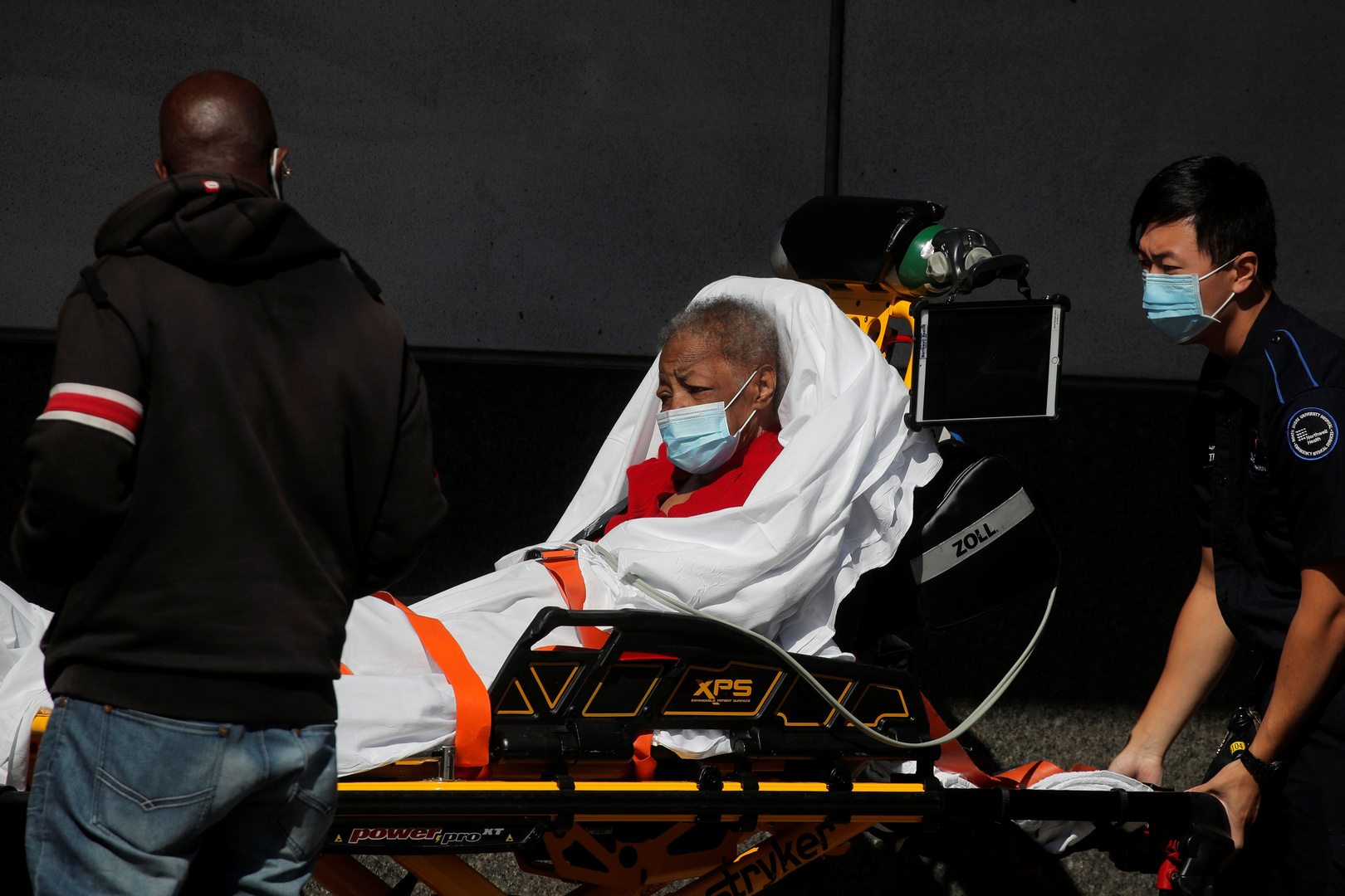 أحد المصابين بقيروس كورونا في نيويورك