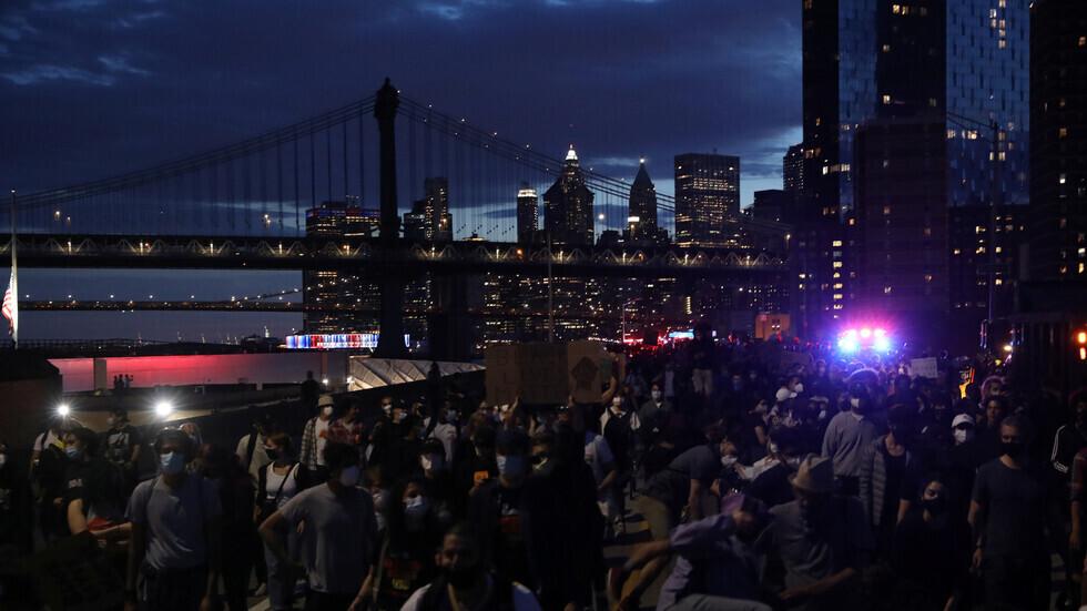 حاكم نيويورك: إعادة فتح دور السينما خارج مدينة نيويورك بربع طاقتها