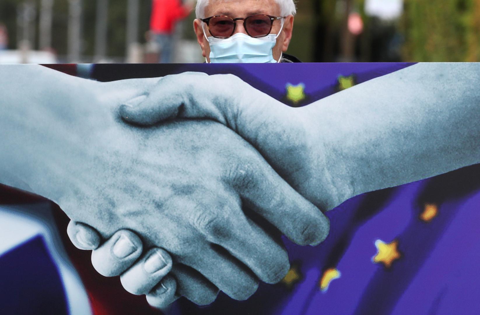 وزير بريطاني: استمرار المفاوضات بشأن