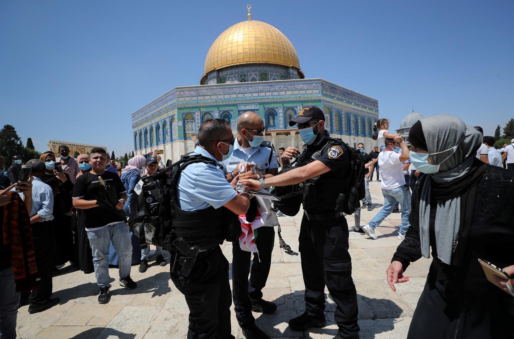 رئيس وزراء فلسطين ينتقد زيارة وفود عربية للمسجد الأقصى تحت حماية إسرائيلية