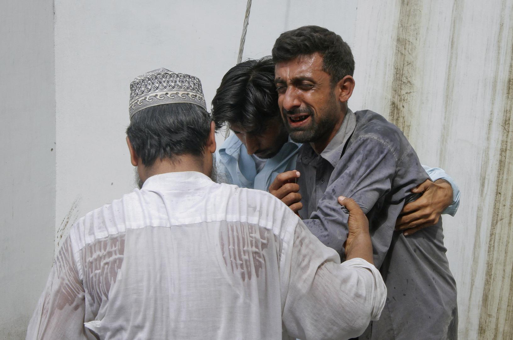 انزلاق أرضي يودي بحياة 16 شخصا في باكستان دفنوا تحت أطنان الطمي والصخور