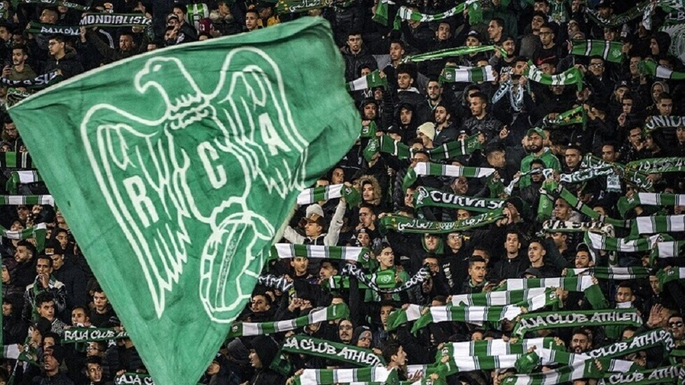 الرجاء المغربي يعلن إصابة 8 من لاعبيه بفيروس كورونا