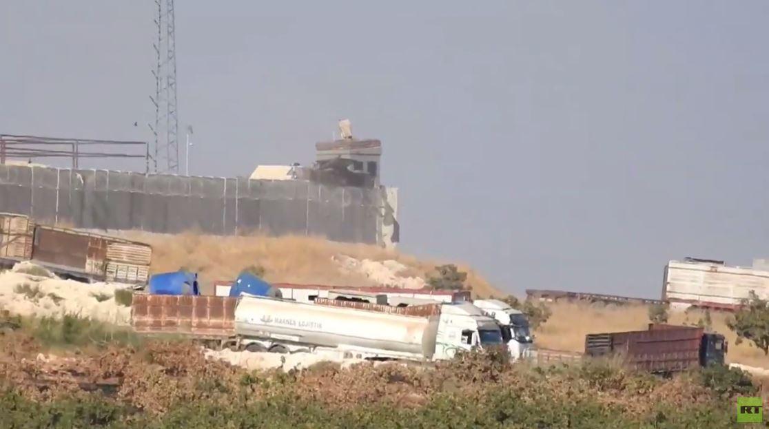 بالفيديو.. تركيا تنسحب من أكبر نقطة مراقبة في حماة حاصرتها القوات السورية