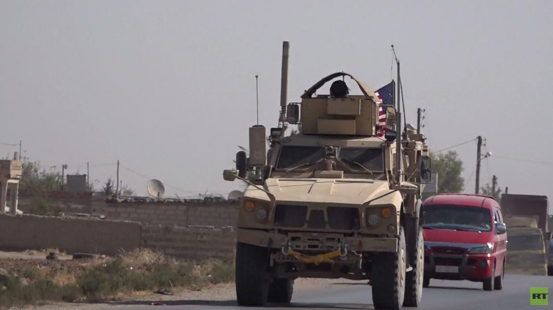 قوة عسكرية أمريكية تسير دورية على الحدود السورية التركية شرقي القامشلي