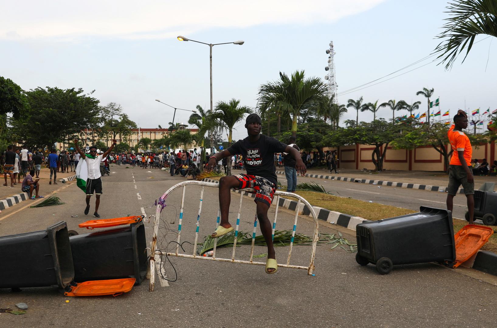 جنود يفتحون النار على متظاهرين نيجيريين في لاغوس