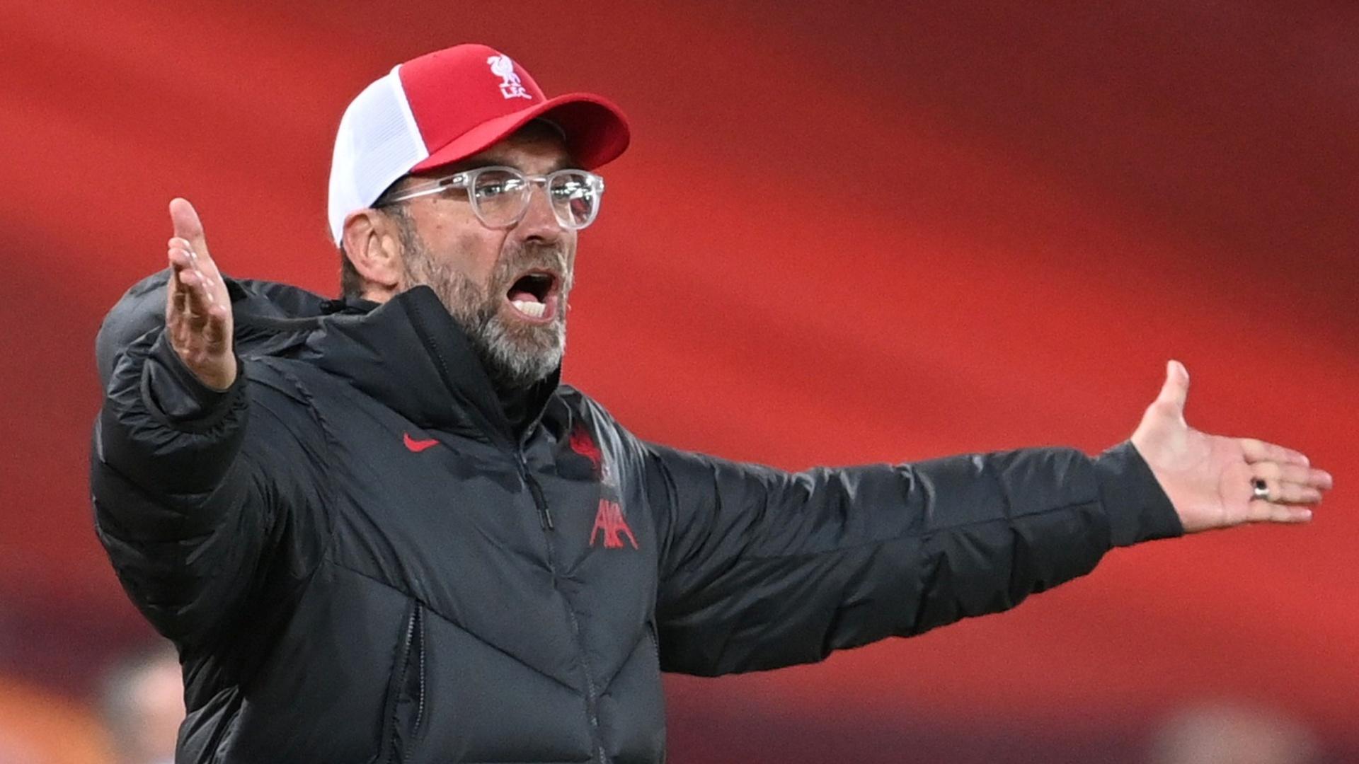 صحفي يثير غضب مدرب ليفربول قبل مواجهة أياكس في دوري الأبطال (فيديو)