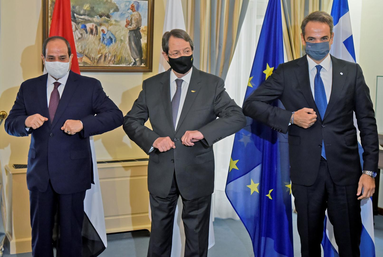 الرئيس المصري ورئيس الوزراء اليوناني والرئيس القبرصي