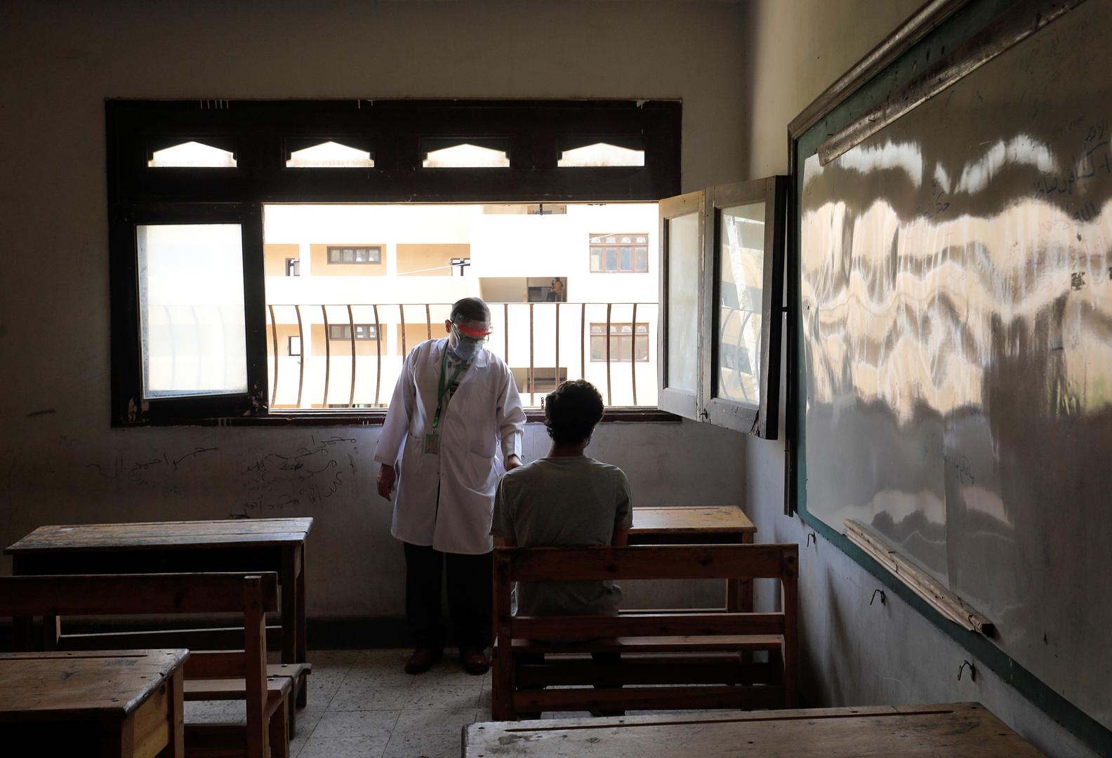 تحرك عاجل بعد واقعة مشاهدة أفلام إباحية على شاشات مدرسة مصرية (صور)