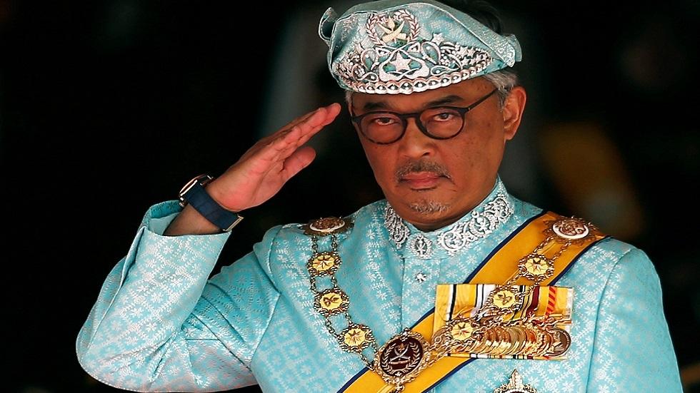 ملك ماليزيا يتشاور مع مجلس الحكام وسط حديث عن فرض حالة الطوارئ