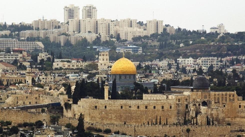 نجاة عائلة فلسطينية في إطلاق مستوطن النار على سيارتها في القدس