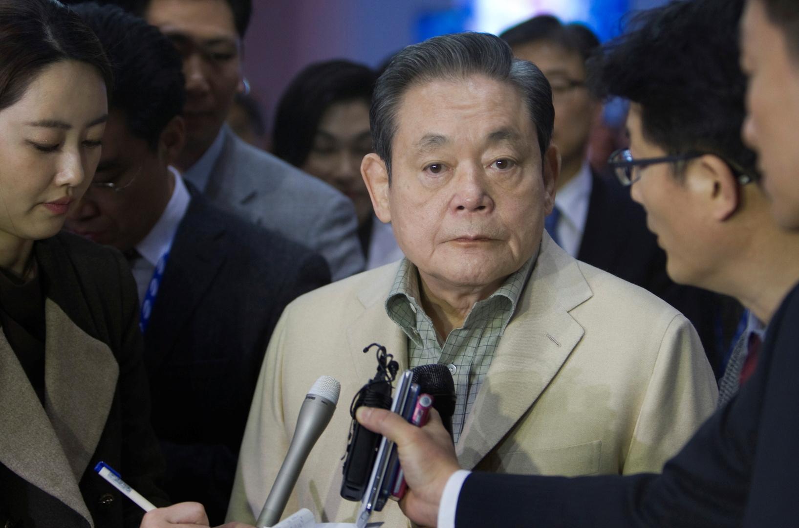 وفاة رئيس مجموعة سامسونغ